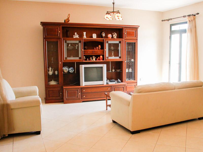 Stunning soggiorno a malta gallery house design ideas for Soggiorno studio malta