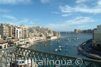 La vista di Spinola Bay dall'Hotel Juliani