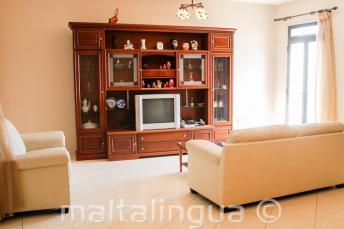 Il soggiorno di una famiglia Maltese