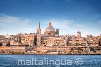 Vista di Valletta dalla feermata del traghetto di Sliema