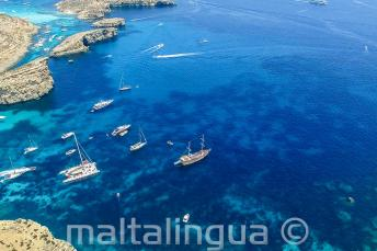 Foto aerea del nostro viaggio in barca a Comino