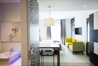 Un bagno e la suite nella Hotel Valentina