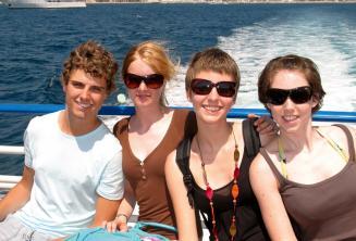 Gita in barca a Comino con la famiglia
