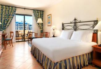 Camera da letto nel'hotel dell'Hilton a Malta