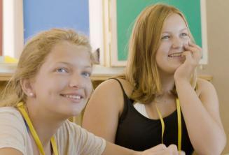 Gli studenti ascoltano l'insegnante