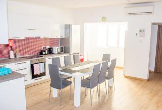 Cucina e sala da pranzo dell'appartamento condiviso