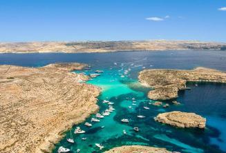 Foto aerea di Blue Lagoon, Comino, Malta